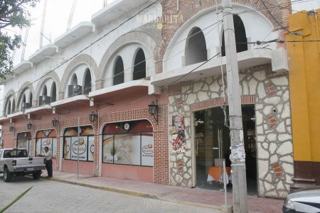 Fachada de Fonda Margarita en Hotel Calpulli de Acatlán, Puebla